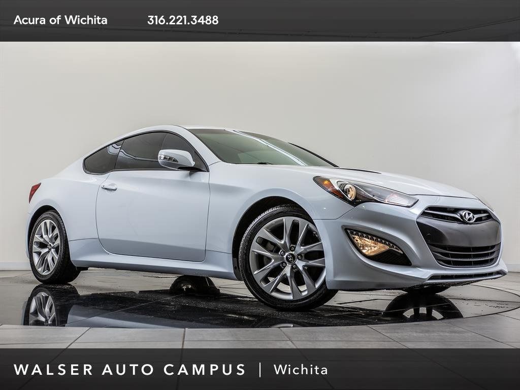 Pre-Owned 2016 Hyundai Genesis Coupe 3.8, Bluetooth, SiriusXM, Alloy Wheels