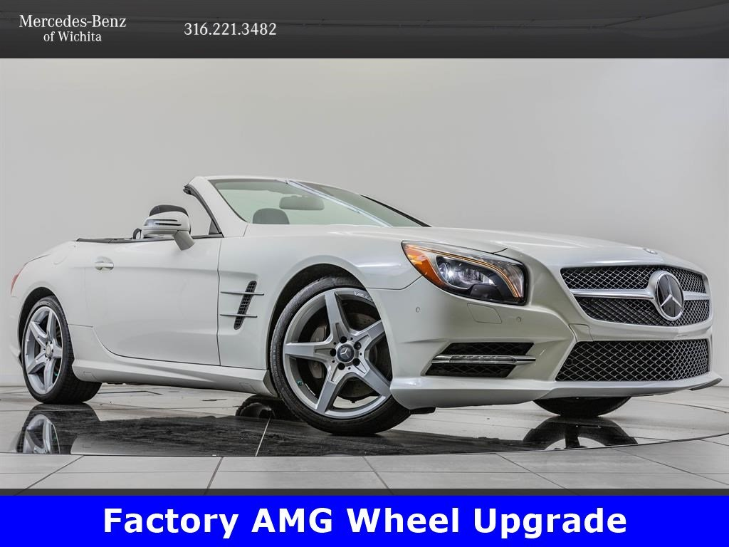 Pre-Owned 2016 Mercedes-Benz SL SL 400, 19-Inch AMG® Wheels