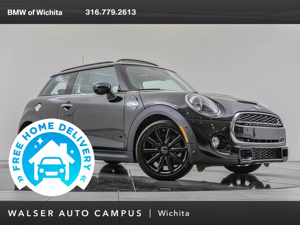 Pre-Owned 2019 MINI Cooper S Hardtop 2 Door Signature Trim Package