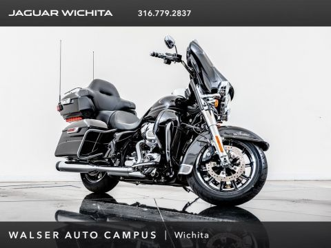 Pre-Owned 2015 HARLEY DAVIDSON MC ULTRA CLASSIC 103 cu in, 6-Speed Cruise Drive Tran, Navigation
